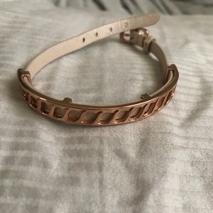 Rose gold and leather bracelet